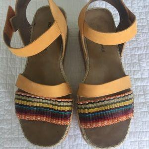 Donad Pliner sandals